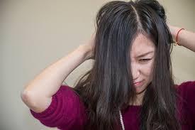 Penyebab Kulit Kepala Gatal dan Solusi untuk Mengatasinya